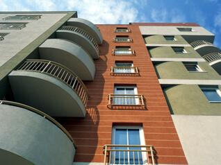 Pierwszy Inteligentny Budynek Mieszkalny (2000)