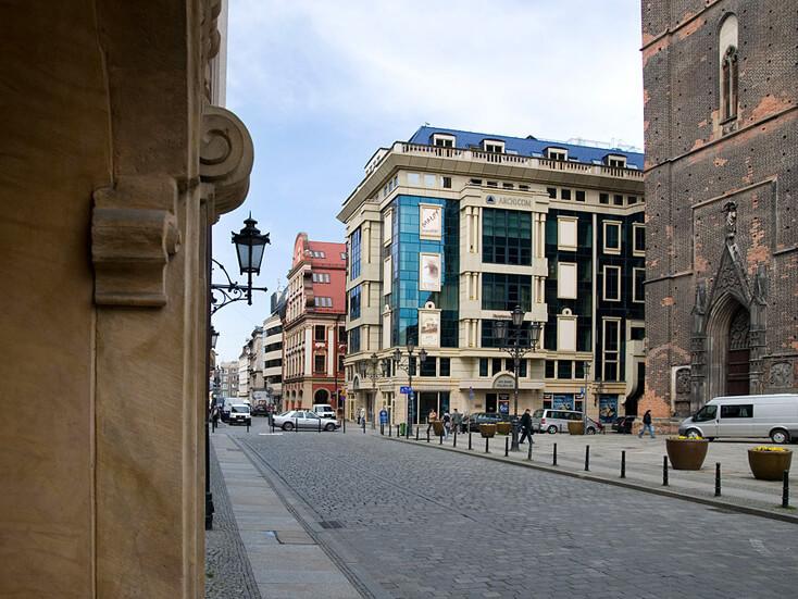 Renaissance Business Centre